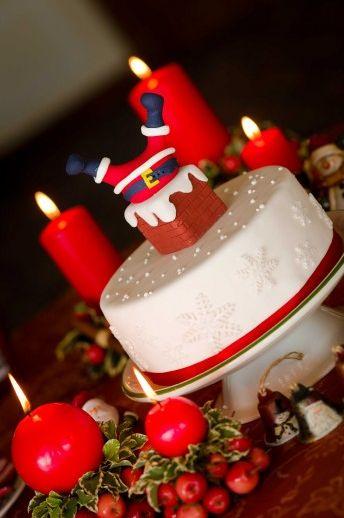 Коледна украса за коледната трапеза с торта