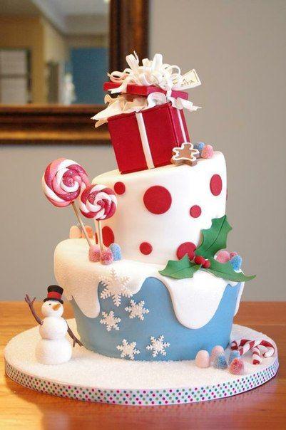 Коледна украса за коледната трапеза с торта подарък