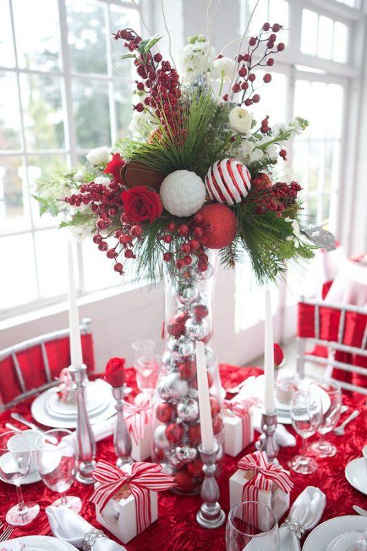 красива коледна украса за маса