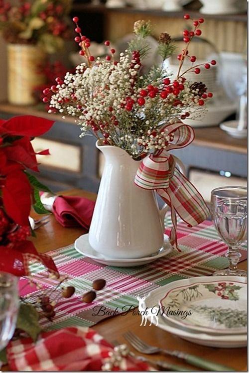 Коледна украса за маса с ваза