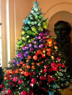 Коледна украса за къщата коледната елха дъга