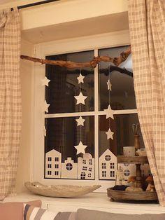 Коледна украса за къщата прозорци