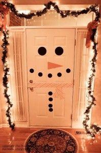 Коледна украса за къщата входна врата